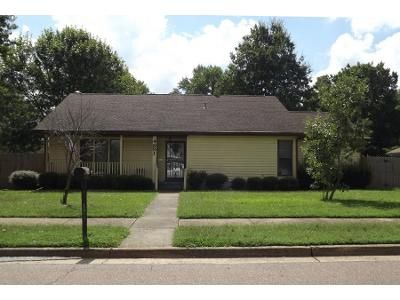 3 Bed 2 Bath Preforeclosure Property in Millington, TN 38053 - Black Gum Dr