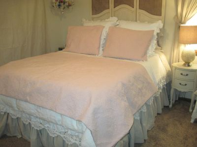 NEW QUILTED DUVET COVER AND SHAMS--QUEEN