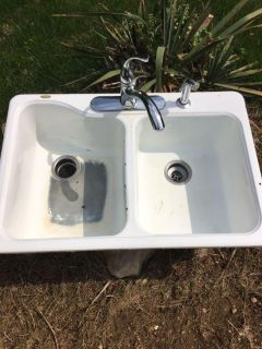 Porcelain sink and faucet,sprayer