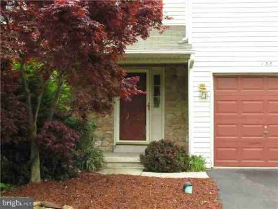 138 Sunnyside Ln PERKASIE, Inviting Three BR townhouse in a