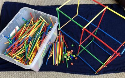 Building straws and connectors / Lot