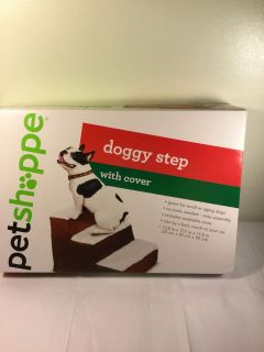 NWT Pet Shppe Doggy steps with cover area 13.8 x 17.7 x 11.8