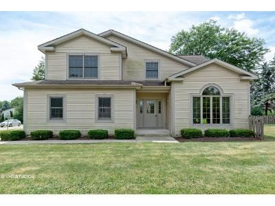 3 Bed 3 Bath Foreclosure Property in Cary, IL 60013 - Hillcrest Rd