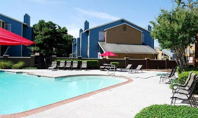 Bedford 1/1 $728 Fitness center, 2 Pools, Shady Ln