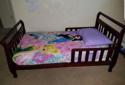 Mahogany Toddler Bed, Mattress & Pad, 6 Sheets, 1 Throw