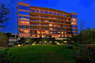 3 Waterway Court 7B-7C Spring Two BR, Furnished corporate