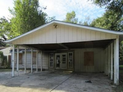3 Bed 2 Bath Foreclosure Property in Denham Springs, LA 70726 - Hickory St