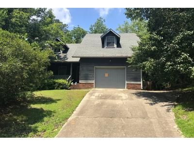 3 Bed 3 Bath Preforeclosure Property in Fayetteville, NC 28303 - Boros Dr