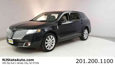 2010 Lincoln MKT Base (Tuxedo Black Metallic)