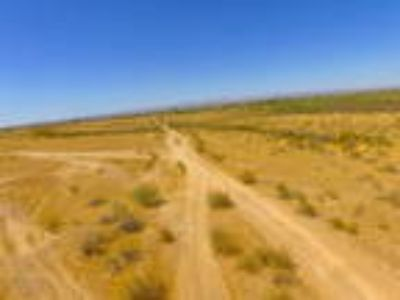 Beautiful 4 Acre Lot at Whispering Ranch in Wittmann