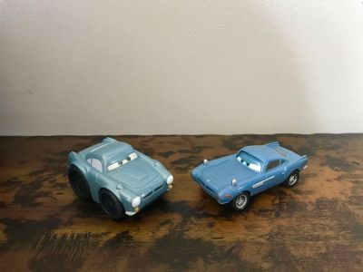 Disney, Cars, 2 3/4 and 3 1/2 plastic Finn McMissile Cars