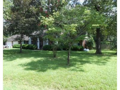 3 Bed 2.0 Bath Preforeclosure Property in Louisburg, NC 27549 - Dickens Ave