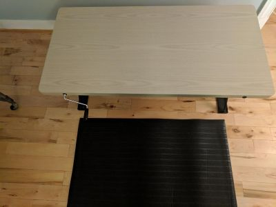Manual Adjustable Height Table Top Sit/Stand Desk