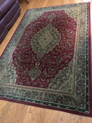 Burgundy Area Rug - NO Pets - NON Smoking - Clean