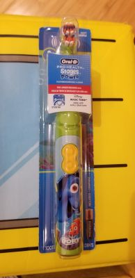 Oral b Dory power toothbrush