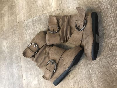 Euc brown suede boots!