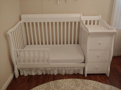 Sorelle 3-in-1 in White w/ Crib and Toddler Conversions