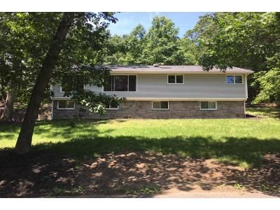 3 Bed 2 Bath Preforeclosure Property in Smithtown, NY 11787 - Bridle Path Rd