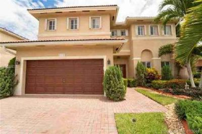 15797 SW 147th Ln Miami, This spectacular home features 3