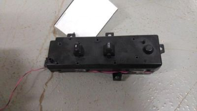 Sell 2004 GRAND CHEROKEE RH / PASSENGER SIDE DOOR MODULE / WINDOW LOCK SWITCH motorcycle in Cedar Springs, Michigan, United States, for US $115.00