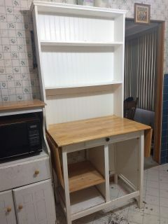 Kitchen island counter and hutch