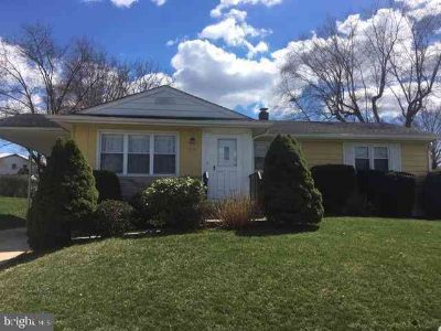 73 Hollynoll Dr Hamilton Township Three BR, Awesome Mercerville