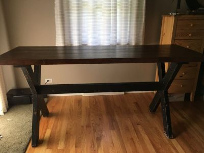 Dark wood table farm VERY LIGHTLY USED