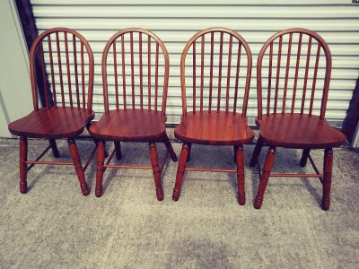 4 Solid Wood Chairs ( NEW )