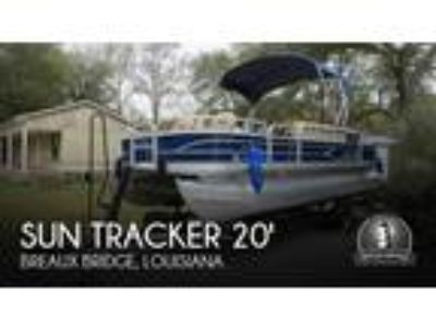 Sun Tracker - 20 DLX Fishing Barge