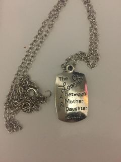 Girls necklace new