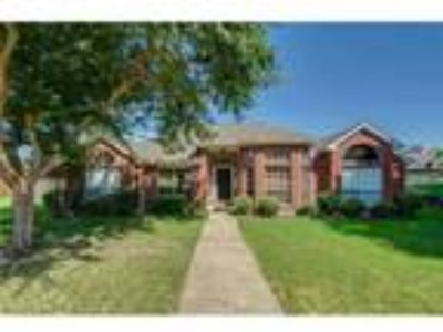 Come home to this appealing property in Carrollton area