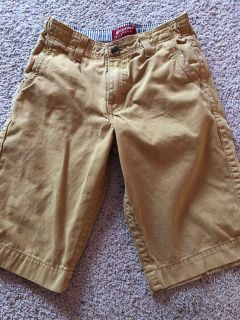 Arizona jeans brand dark khaki shorts. Boys size 18. GREAT CONDITION