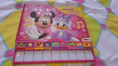 Minnie mouse pretty play along piano book, working in EUC