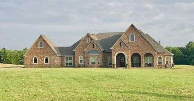 599 River Park Road Celina Five BR, Custom country living on 4
