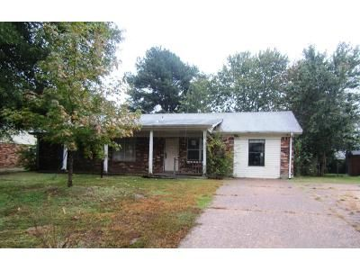 3 Bed 2 Bath Foreclosure Property in Horn Lake, MS 38637 - Cherokee Dr