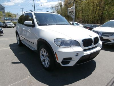 2012 BMW X5 xDrive35i (Alpine White)