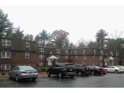 2 Bed 1 Bath Foreclosure Property in Rowley, MA 01969 - Haverhill St # 19