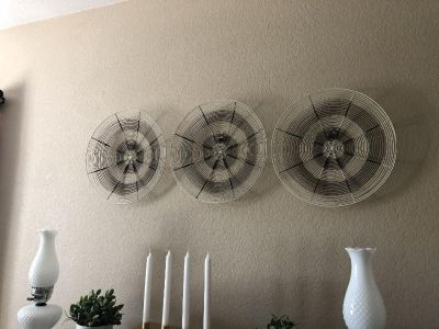 $5 for THREE Wire Wall Decor