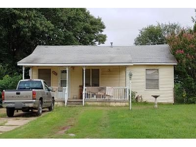 2 Bed 1 Bath Preforeclosure Property in Pauls Valley, OK 73075 - Mohawk Dr
