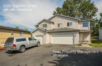Central Bellingham - Duplex with Private Garage