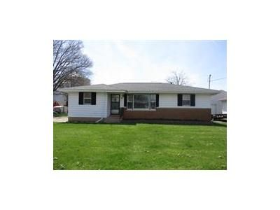 3 Bed 2 Bath Foreclosure Property in Glasford, IL 61533 - E Essex St