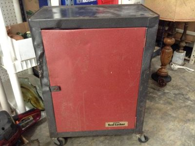 """Old Metal Roll Around Tool Cabinet (27"""" x 19"""" x 11"""")"""