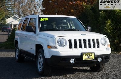2016 Jeep Patriot Sport (bright white clearcoat)