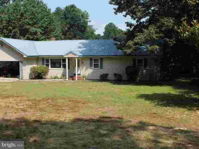 20517 Lillies Way Lincoln Three BR, Waterfront on Cubbage Pond!
