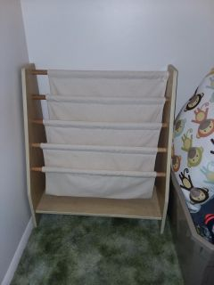 Kidscraft wood/canvas book shelf like new excellent condition