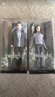 Barbie Collector Twlight Edward and Bella