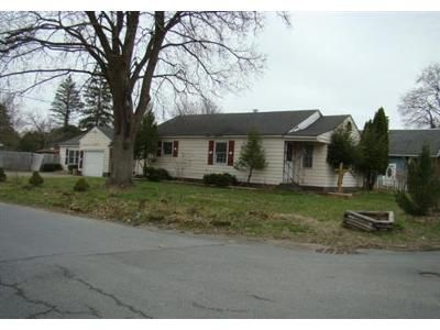 3 Bed 2 Bath Foreclosure Property in Queensbury, NY 12804 - Sherman Island Rd