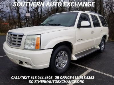 2005 Cadillac Escalade Base (White)