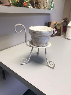 Distressed Iron stand w/Clay pot decor piece. 2 in 1. Used as a planter & candle holder or planter. New condition