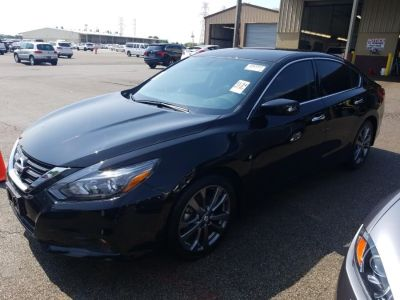 2018 Nissan Altima 2.5 SR Sedan (Super Black)